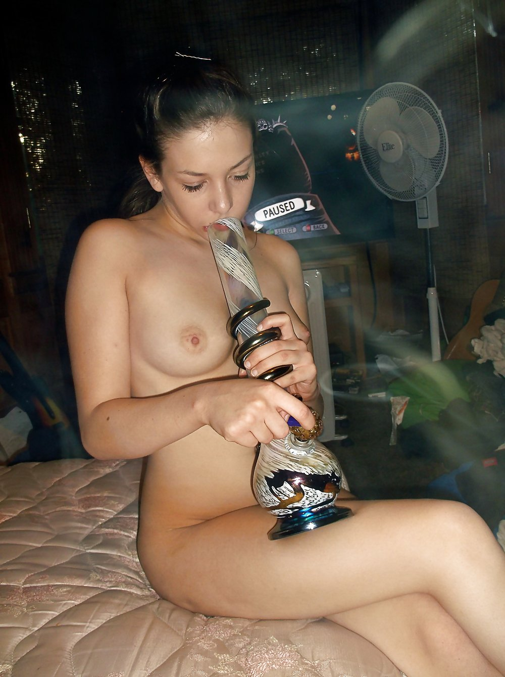 See and save as stoner girls porn pict